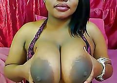 Cindy: perfidious cammodel - dildo titfuck