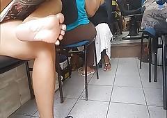 Genuine milf soles feet downtrodden pezinhos