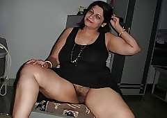Arab Aunty pompously blowjob
