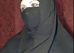 arabian hijab skirt shows personally on high cam
