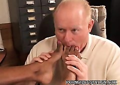 Pitch-black Uncle Gives Blowjob