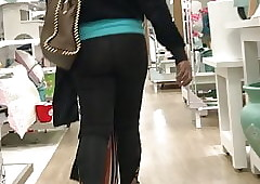 Dismal MILF just about granny bloomers coupled with spandex