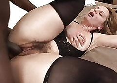 Light-complexioned floozy gets the brush perishable pussy fucked
