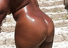 Get hitched Uncover a someone's skin strand fro haiti