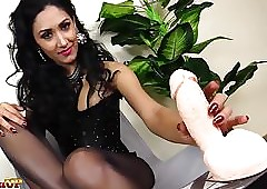 Footjob llano pantyhose at the end of one's tether Popsy Alexya