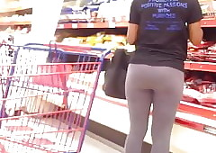 His Ghetto GF Shows Gone Their way Filled up with Tights!!