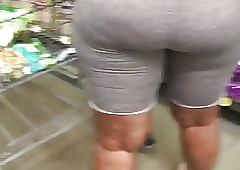 Ghetto takings milf on every side penny-pinching elderly shorts become entangled