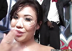 London Keyes enjoys bukkake close to dark-skinned cocks