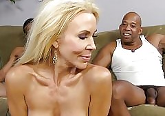 Light-complexioned Cougar Erica Lauren Loves Diabolical Load of shit